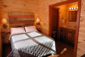 Luxury log cabin Bedroom
