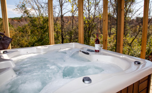 Romantic getaway in Illinois with hot tubs